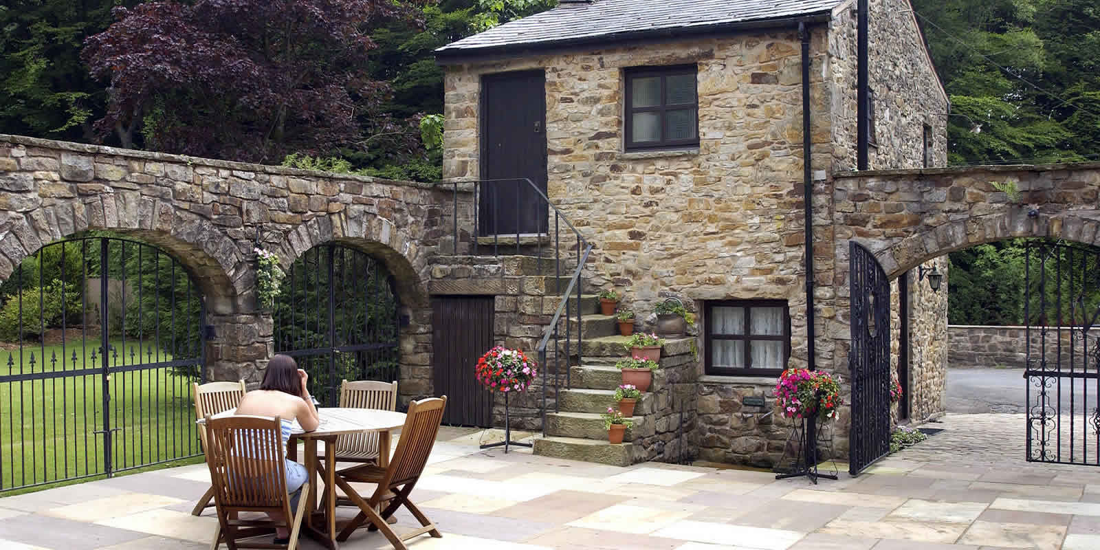 3dcdd38ba4f ... quaint Pet Friendly Holiday Cottages