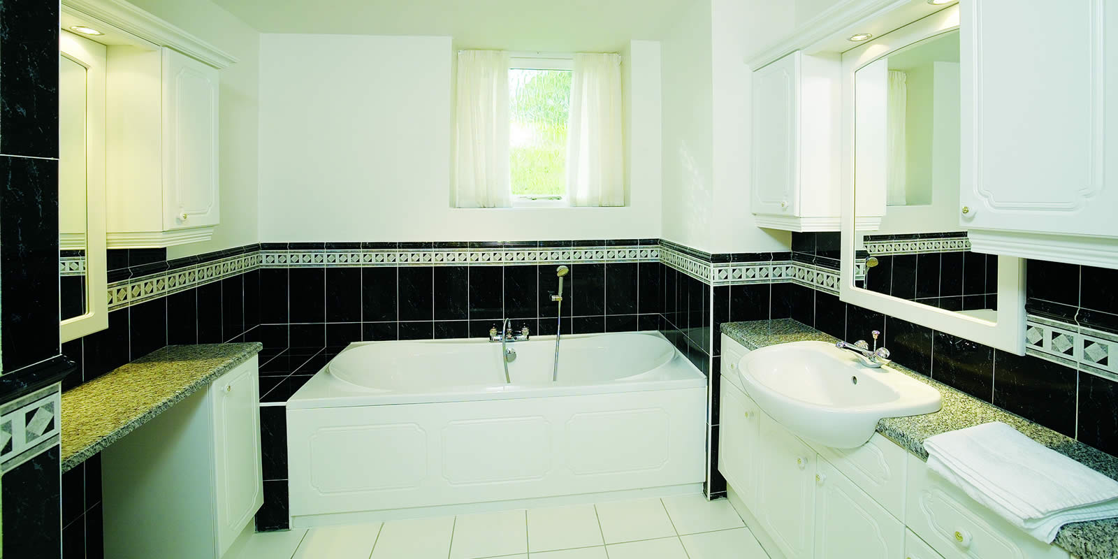 Luxury self catering cottage bathroom Lancashire Preston