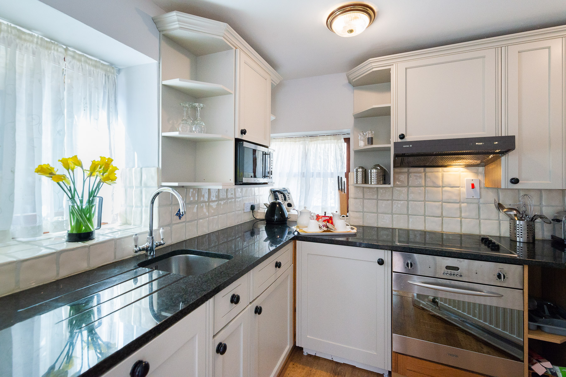 Courtyard Cottage Kitchen. A pet friendly holiday cottage.