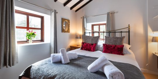Courtyard Cottage bedroom. A pet friendly holiday cottage.